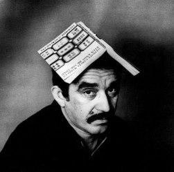 Μάγος ή βλάκας; Ο ΓΓΜ στη Βαρκελώνη, με στέμμα το διάσημο καμπαλιστικό εξώφυλλο του ΕΧΜ, 1969. (Colita / Corbis)