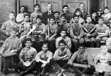 jewish-orphan-home-1922.jpg