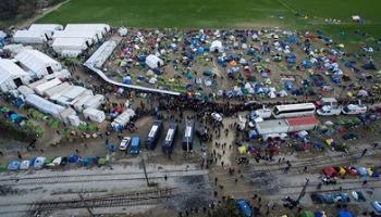 Ειδομένη: Δείτε το χαρτί αίσχος που μοιράζει το ελληνικό κράτος στους πρόσφυγες