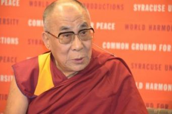 b2ap3_thumbnail_dalai_lama_at_syracuse_university_01-jpg_449058717