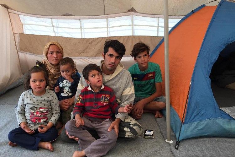 refugees_family