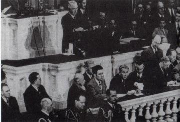 """Ο Χάρυ Τρούμαν ανακοινώνει στο Κογκρέσο το """"δόγμα Τρούμαν"""""""
